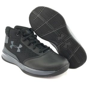 Under Armour Youth Boys GS Jet 2017 Shoes Sz 1.5